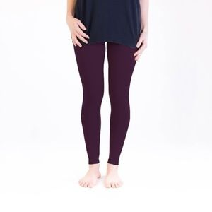 Purple leggings by Agnes & Dora